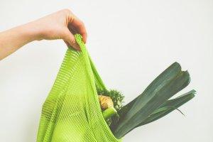 plastikfrei Einkaufstasche mit Gemüse – ©Unsplash