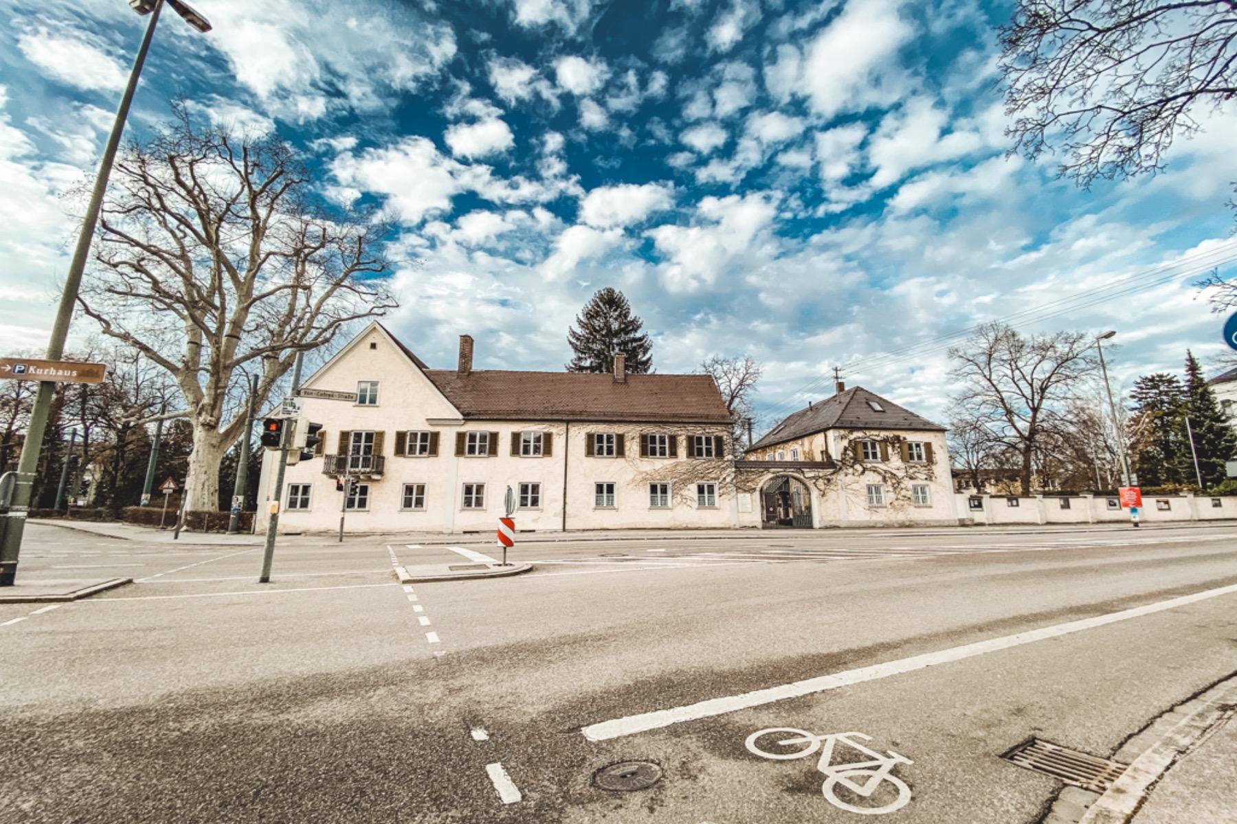 Nur noch vom Klausenberg über die Von Cobres Straße und schon hat man den Gögginger Park erreicht