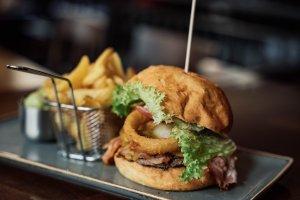 Leckeres Sandwich mit Farm kartoffeln – ©Herzbube