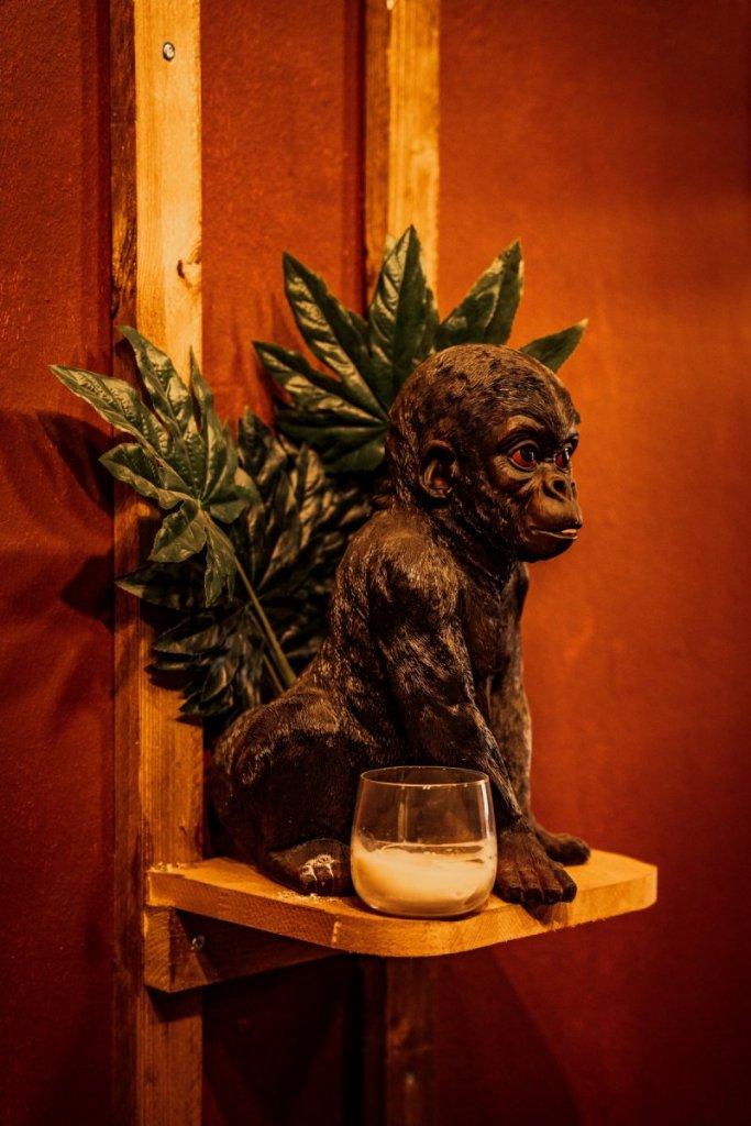Ryu Holzfigur von einer Affe