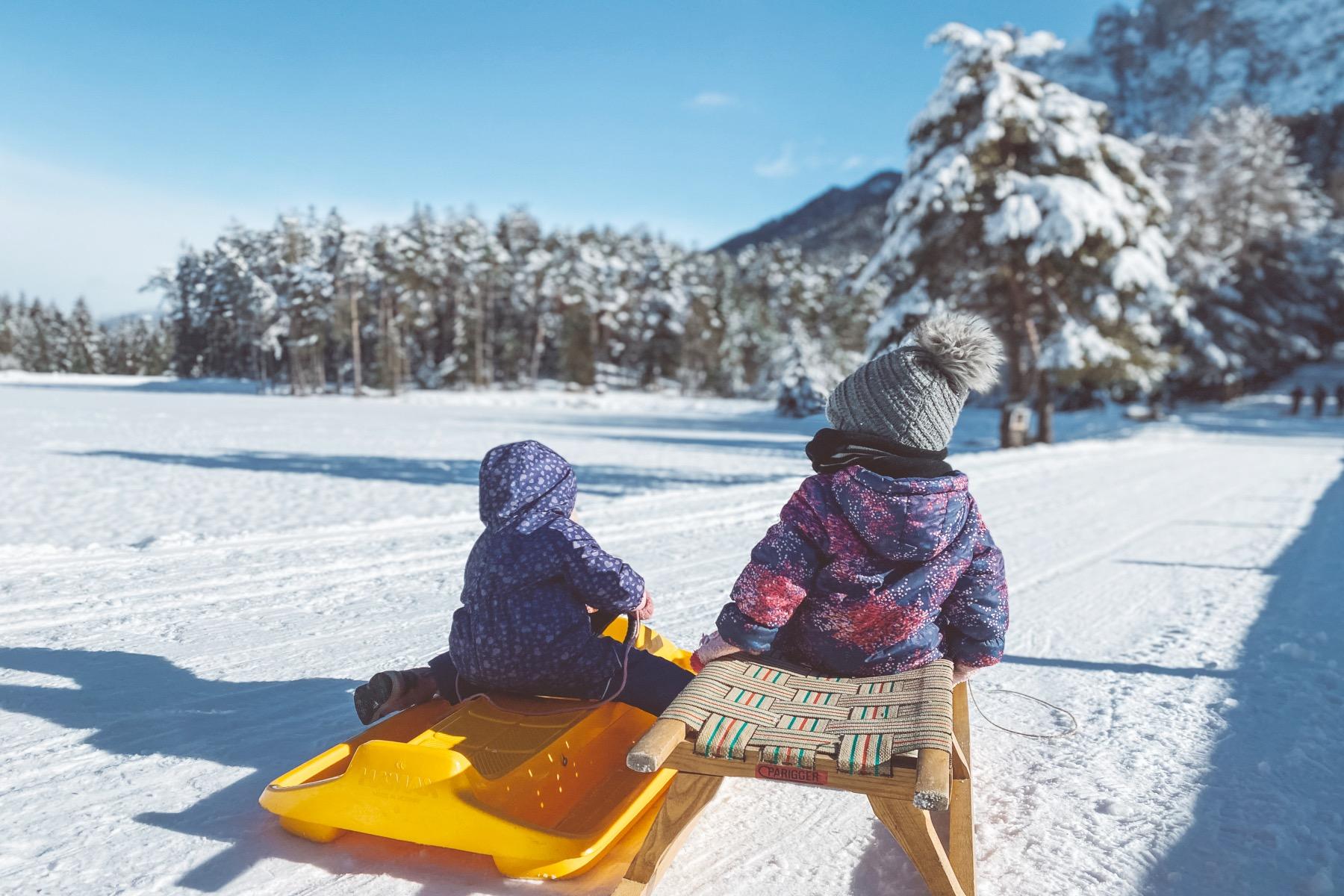 Fit trotz Schnee rodeln