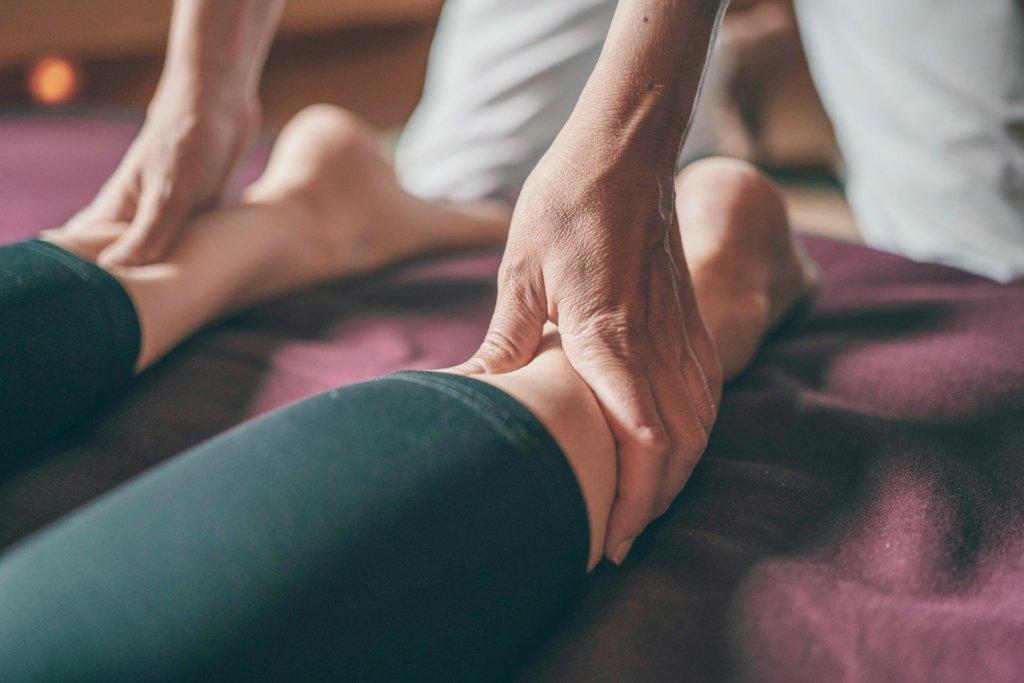 verwöhnungsprogramm Frühling massage – ©Unsplash